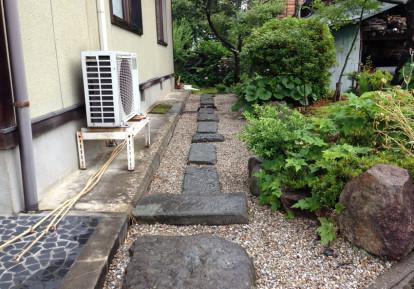 宅地まわりの防草シート施工事例(お庭)