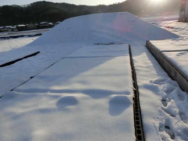 雪に覆われた試験場
