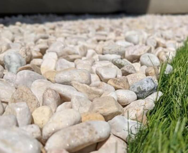 雑草対策 砂利
